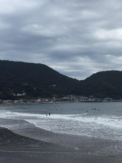 【サーフィン】秋の宇佐美 3ミリフルジャージで波乗り