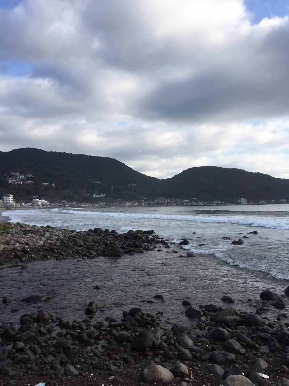 【サーフィン】文化の日は東伊豆の宇佐美で波乗り!サーファー多し!